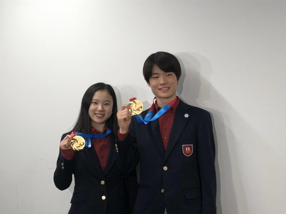 に出場した フィギュアスケート の日本選手団が本日17日に帰国しました!男子シングルで金メダルを獲得した 選手は「五輪に出たい気持ちがさらに強くなった。将来は五輪で優勝することが1番の目標」と話して… https://t.co/oBltHSQwly