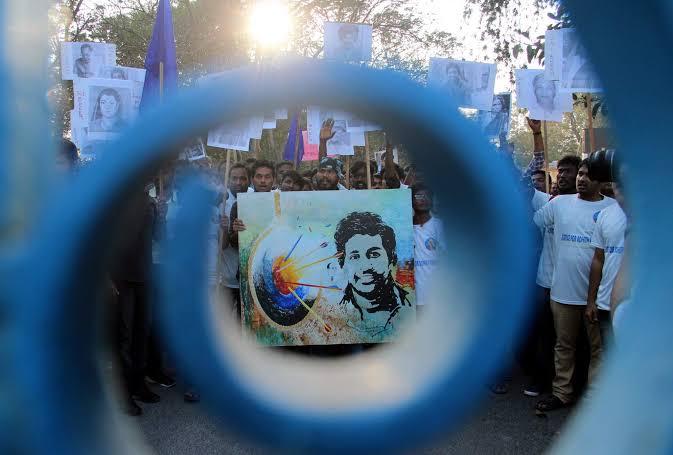 आज ही के दिन रोहित वेमुला की शहादत हुई थी । वो शहादत जिसने असमानता के सिस्टम की पोल खोल दी, वो शहादत जिसने संकीर्ण मानसिकता रखने वाले एक वर्ग को बेनकाब कर दिया #RohitVemula की उस शहादत को नमन