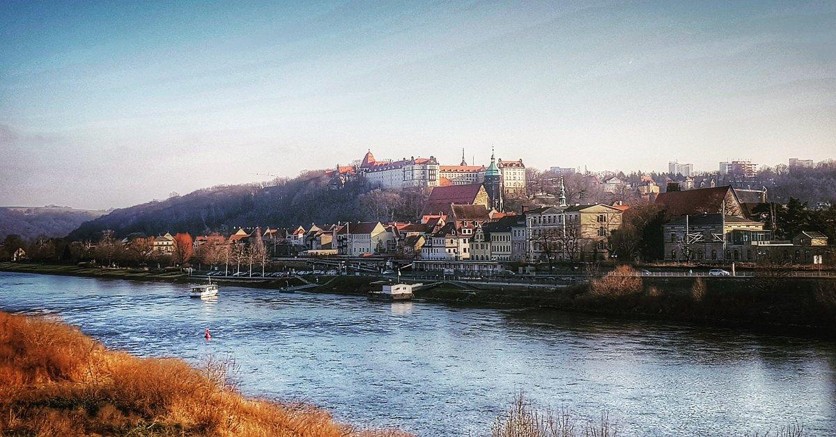 Heidelberg des Ostens 😁  #pirna #sonnenstein #saxony #saxonyswitzerland #nationalpark #elbe #river #cycling #cyclelife #roadbike #trek #trekdomane #cyclinglife #cycle #optoutside #outsideisfree