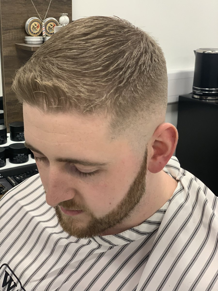 Fresh trim for my pal gian pic.twitter.com/yx1lHMwd2W – at Milton Keynes Business Centre