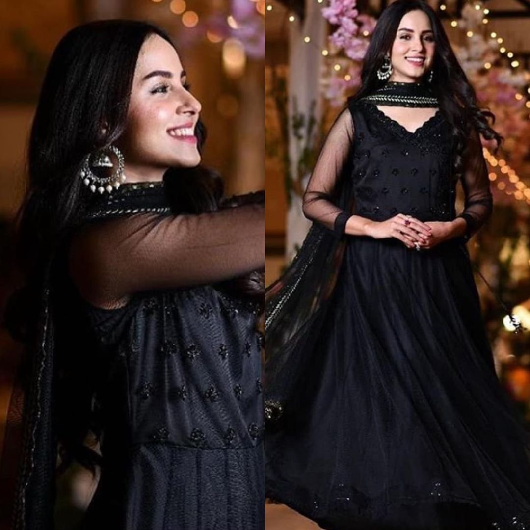 #NimraKhan is a vision in a raven back peshwas and statement Chandbalis!pic.twitter.com/3sYs9g2zAk