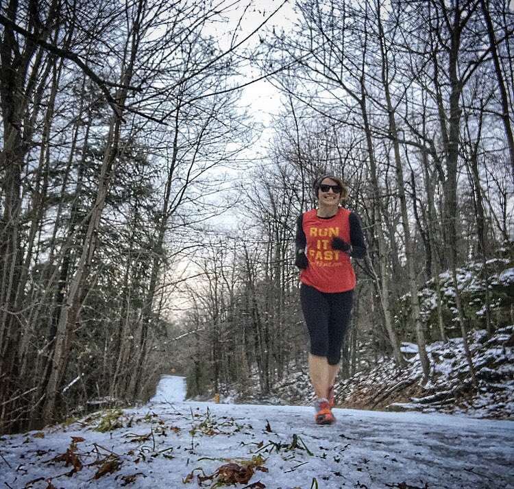 Either you run the day, or the day runs you -Jim Rohn. Go out and do something good for yourself or better yet, go out and do good for someone else. Happy Friday! #runitfast #ultrarunners #fridayvibespic.twitter.com/WLKb3HE3Tn
