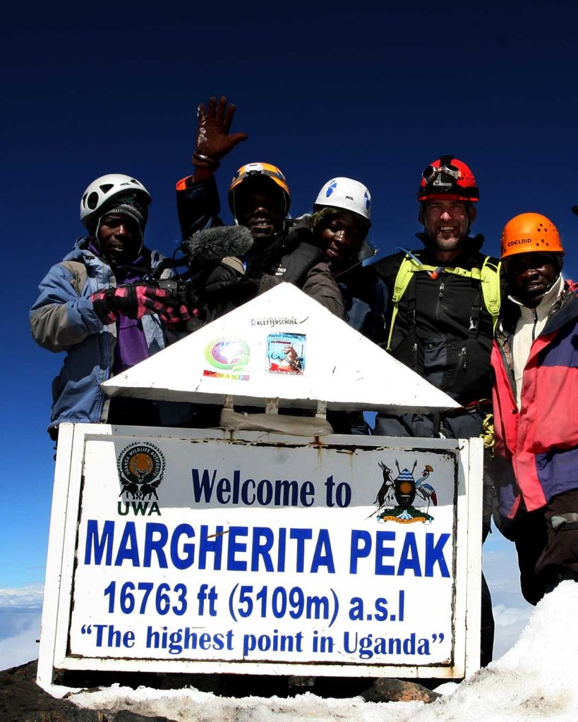 Margherita peak at 5109m (16,762 feet) in #RwenzoriMountains is the highest point in #Uganda. @7summitsafrica team (2nd photo) practices from here as part of preparation for #Africa team for #Everest.  #Vakantiebeurs #Travel #VakantiebeursVakdag #Vakantiebeurs2020