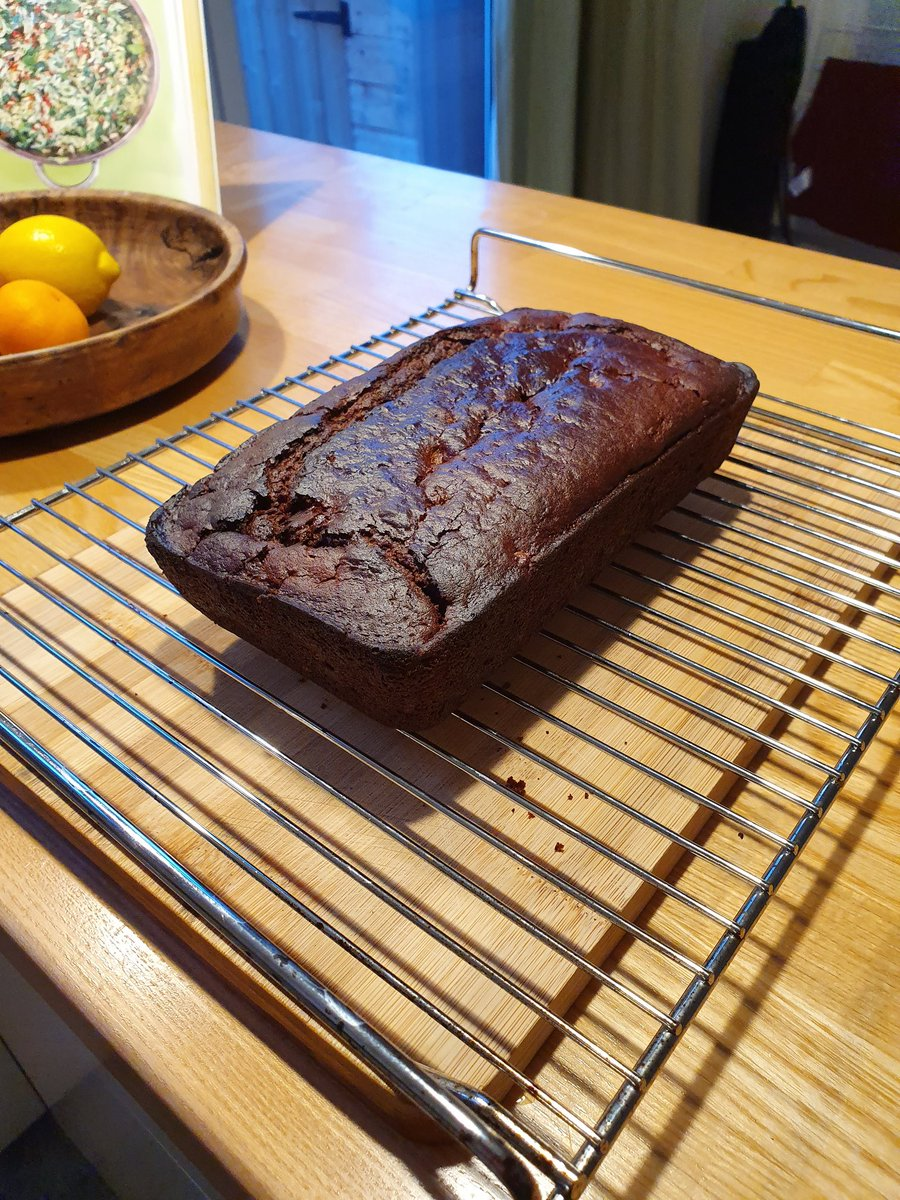 for #cookjan, I've been trying out recipes from Jack Monroe's Tin Can Cook. witness: a chocolate & pear cake, a rich tomatoey caudle (new word), & a cassoulet I put under a puff pastry hat. all vegan, all delicious. <br>http://pic.twitter.com/h8rqpg6e68