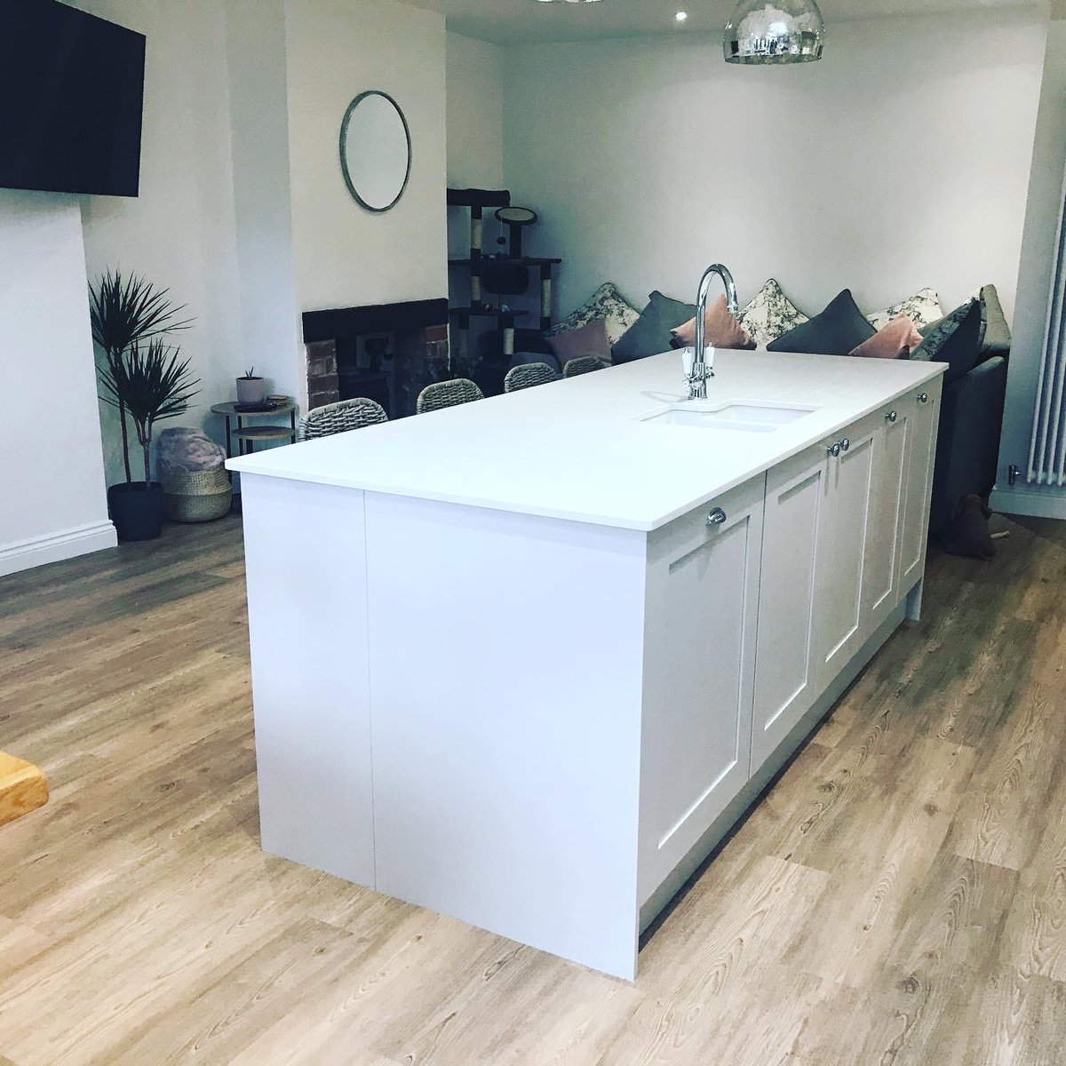 Benchmarx On Twitter Beautiful Oxford Dove Grey Kitchen Makes Any Kitchen The Heart Of The Heart Of The Home Benchmarx Benchmarxkitchens Kitchens Traditionalkitchens Design Https T Co F50gwfwz6a