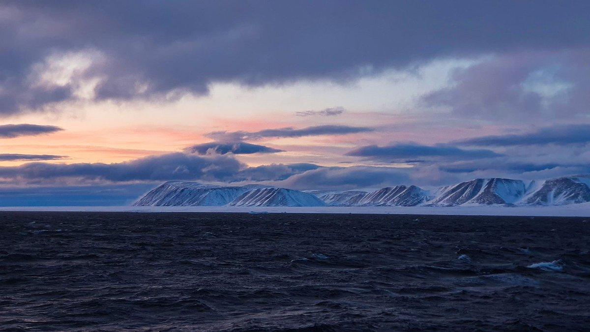 живется новатору острова в северном ледовитом океане фото загружайте графику плакат