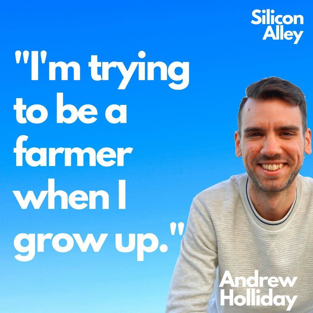 What do you want to be when you grow up?  #farmer #farm #farms #farmlife #cows #vegetables #planlife #planter #gardening #growing #growfood #vegan #organic #organicfarming #whenigrowup #careers #dreams #goalspic.twitter.com/s9K4vw8ZLu