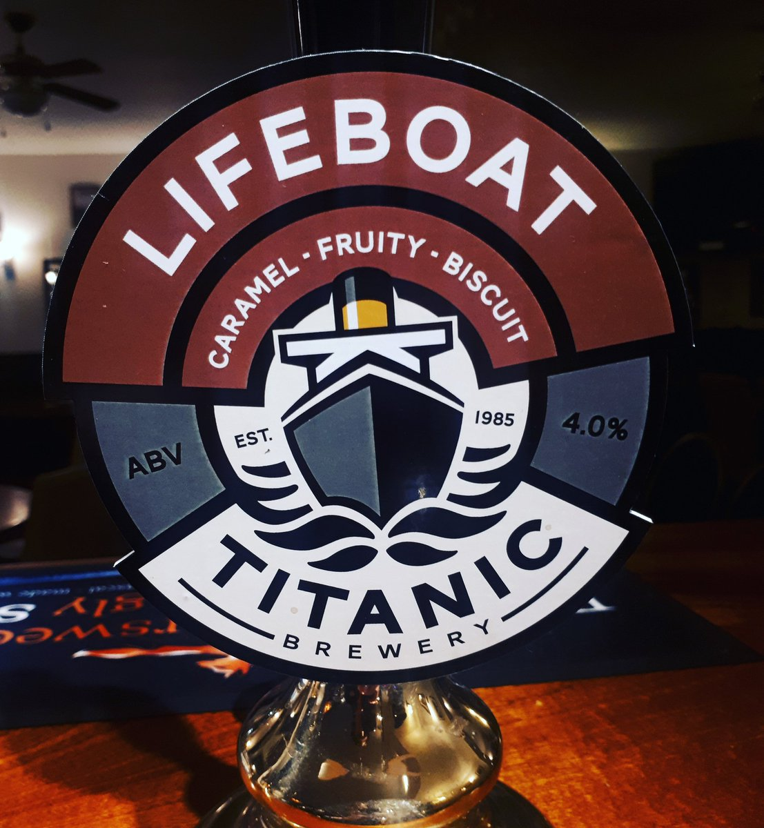 Hoppy Friday! 🍻@Titanic_Brewers @titanicGreig #everydayisabeerfestival #beer #nowserving #onthebar #local #localale #localbrew #friday #hoppy