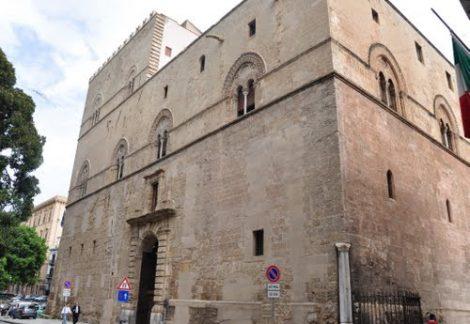 Lusso, prestigio, politica e guerra nella Sicilia del Trecento, allo Steri la mostra all'epoca dei Chiaromonte - https://t.co/5nApVFdX10 #blogsicilianotizie