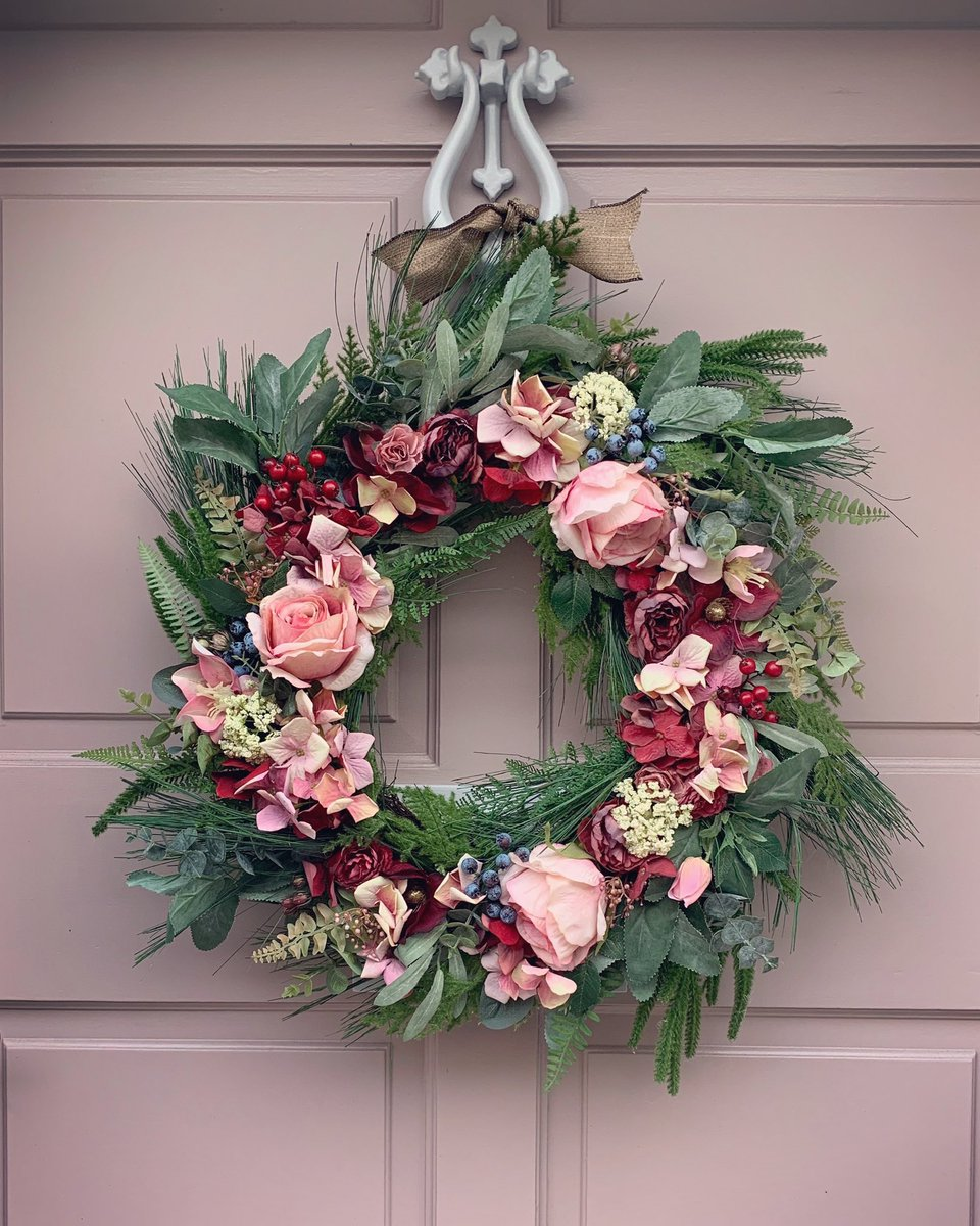 Good evening #womaninbizhour Hope you all well and ready for the weekend! I finished my Vintage Rose Floral Wreath today and found the perfect door!  What do you think?  #FridayThoughts <br>http://pic.twitter.com/KmOif1GzUB