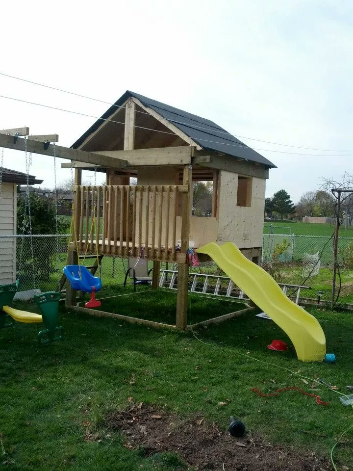 This #DIY swing set plan comes with an attached playhouse too. #homeideas  http://cpix.me/a/90175076pic.twitter.com/MusSGQ1f0h