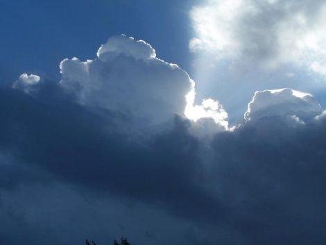Meteo Sicilia, cede l'alta pressione ed il weekend inizia all'insegna delle nuvole - https://t.co/DCftsFlxGw #blogsicilianotizie