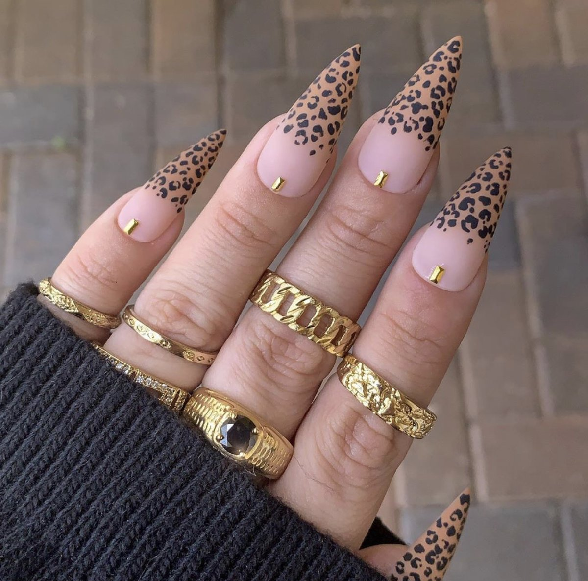 Nothing beats that Friday feeling like a fresh set // Steppin into the weekend like... (: @nailedbycristy)#DressedInLucy #nailgoals #nailfie pic.twitter.com/Pn6XXG6NwF