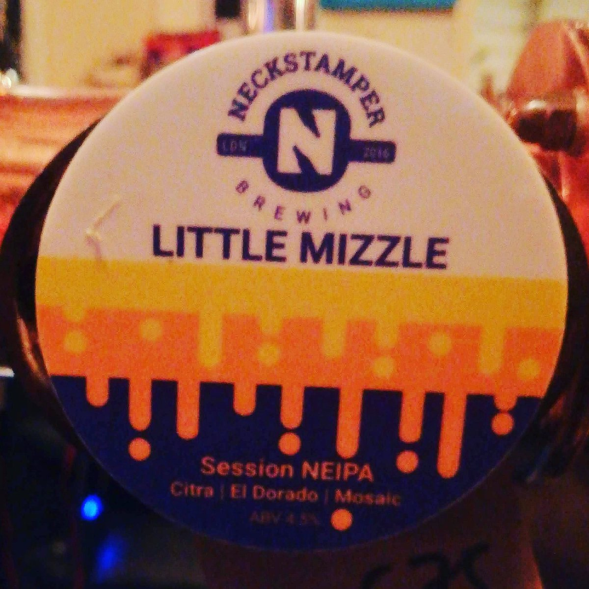 Come in from the cold & join us by the fire... #NowServing @neckstamper Little Mizzle 4.5% ABV, a perfect #session beer after a long week!A more sessionable version of their #NEIPA Mizzle. 5 malts combine as the basis for a soft, light & misty brew#Tryanuary#ipa #craftbeer