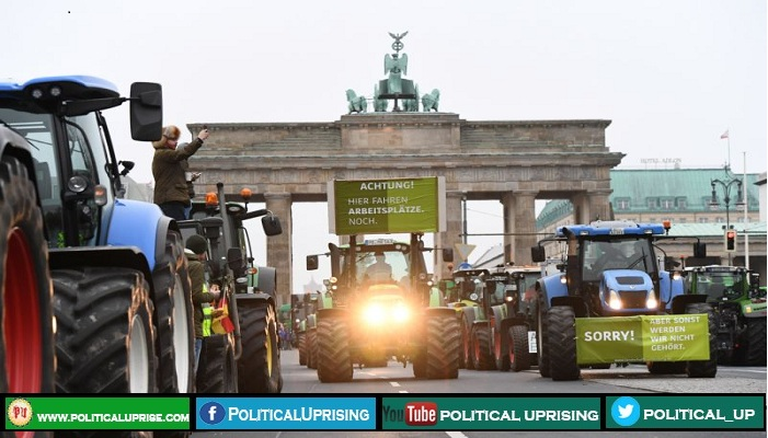 Farmers protesters blocked Berlin roads   #German #Germany #GermanGP #Berlin #BerlinConference #farmerprotest #farmers #FarmersInsuranceOpen #farmersuicide #farmersmarket #farmer #politics #PoliticalHeadlines #PoliticalUprising  https://politicaluprise.com/europe/farmers-protesters-blocked-berlin-roads/…