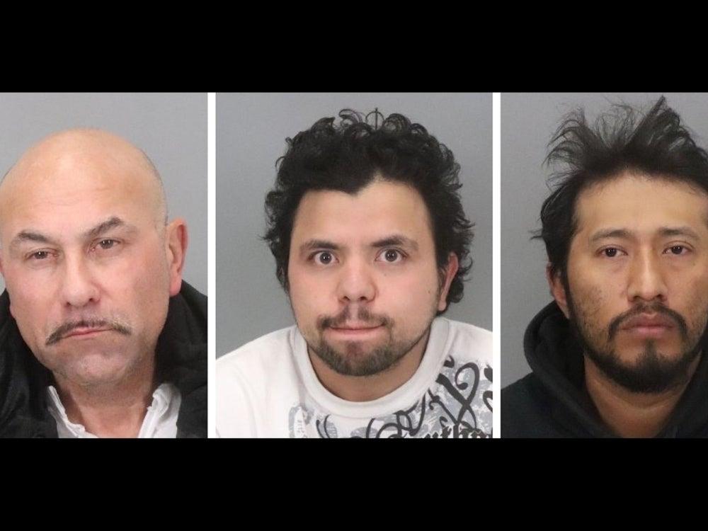 3 Men Accused In Kidnapping, Rape Of Teen Girl In San Jose http://dlvr.it/RNFT1zpic.twitter.com/fAegrbdldd