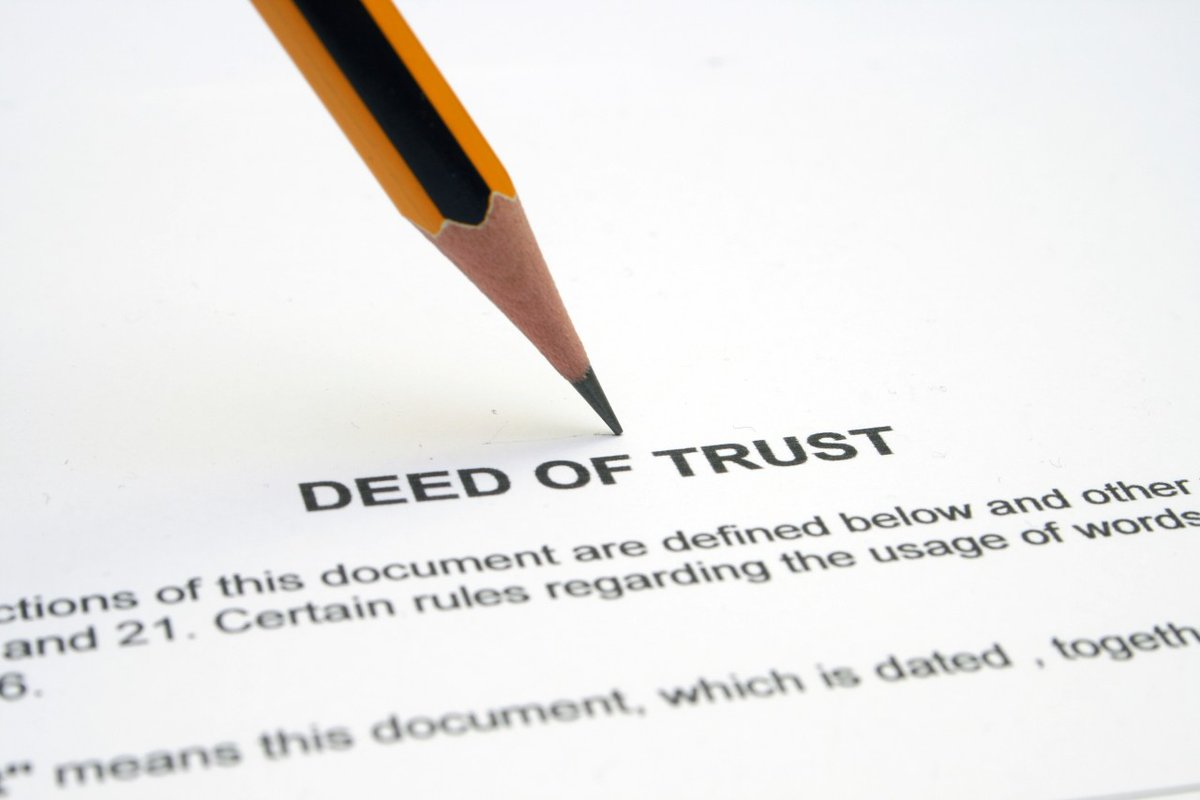 What exactly are the duties of a deed of trust trustee? A recent opinion in a wrongful foreclosure lawsuit gives us a good idea.   Explore today's #DailyDoseOfREALiTy here: http://bit.ly/2rKBFWQ  #HansonLawFirm #foreclosurelaw #realestatelaw #deedsoftrust pic.twitter.com/yQYf8F6eJ7