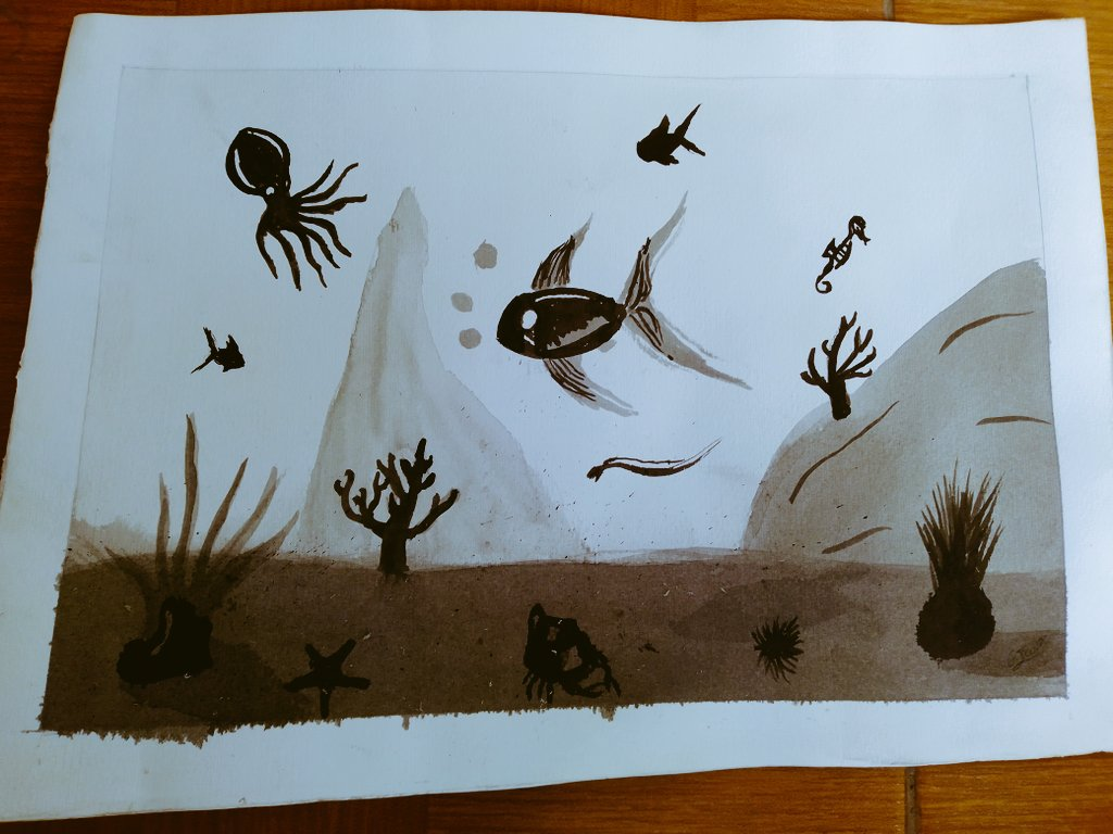 Shadows in the sea. I did that with Chinese ink a little water and a sponge, to give layers to the bottom and the fish #art #arte #drawing #draw #dibujos #doodle #peces #pez #mar #animals #dibujos #doodle  #art #arte #drawing #draw  #doodleart #instadrawspic.twitter.com/rBkKStZZNl