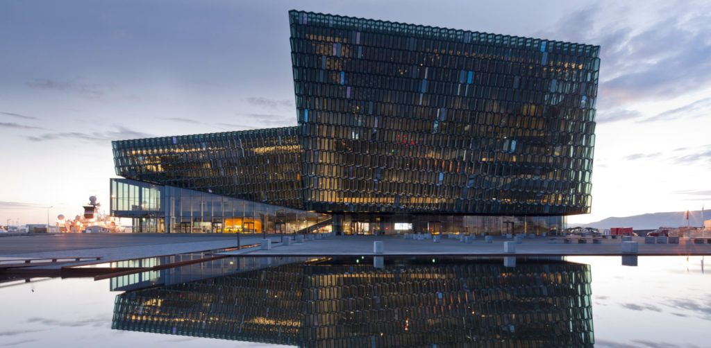 Architectural Details: The Crystalline Façades of Iceland's Harpa Concert Hall - Architizer Journal http://bit.ly/38431Xypic.twitter.com/wR0Pb1Zgb0