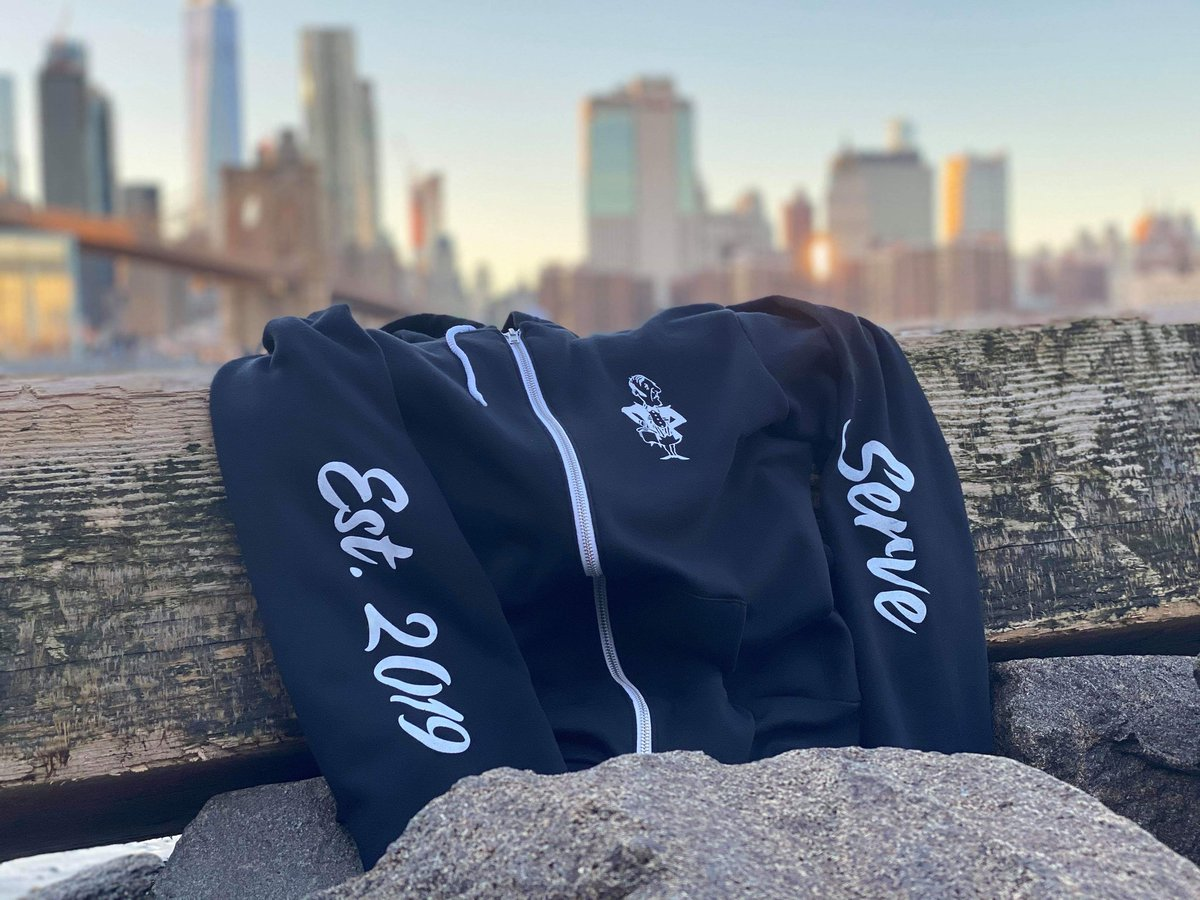 Our main goal for this company is to serve, our community, our families, our earth..... join our family .... http://servenewyork.com  __________________________ #garyveechallenge #serveny2019 #ootdshare #fblogger #menstyle #look #currentlywearing #americanstyle #hairsandstylespic.twitter.com/ETijmvlLHc