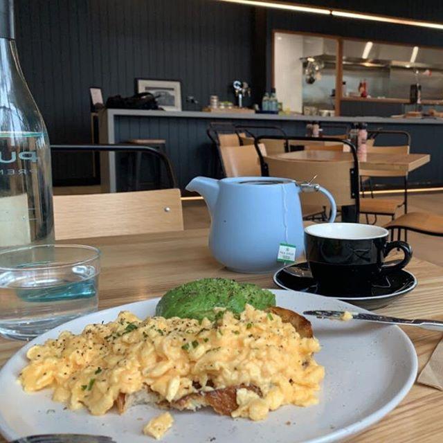 Avocado. Eggs. Tea. Can this morning get any better?  #healthybreakfast #avocado #tea #eggs #morningvibes #findmyniche #businesscoach #onlinecourse #digitalmarketing  #businesscoach #niche #agencyowner #marketer #LMBDWpic.twitter.com/wvYYdUpX4E