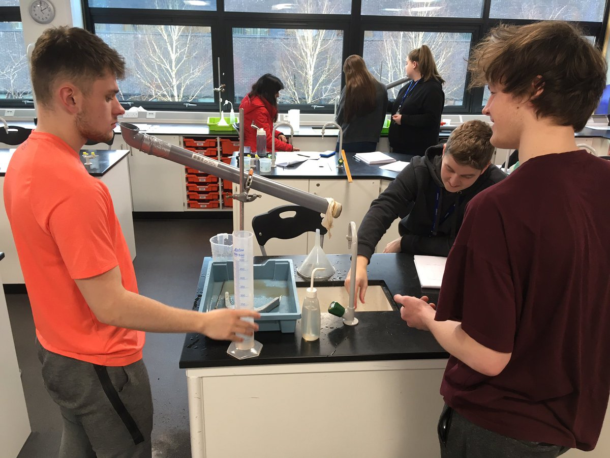 The Darcy tubes worked well today to calculate permeability of different sediments. To my slight surprise, students found this practical really engaging, staying after lesson to collect data. #geology #alevel #ocrgeology #hydrogeologypic.twitter.com/6cAYh6sSyh