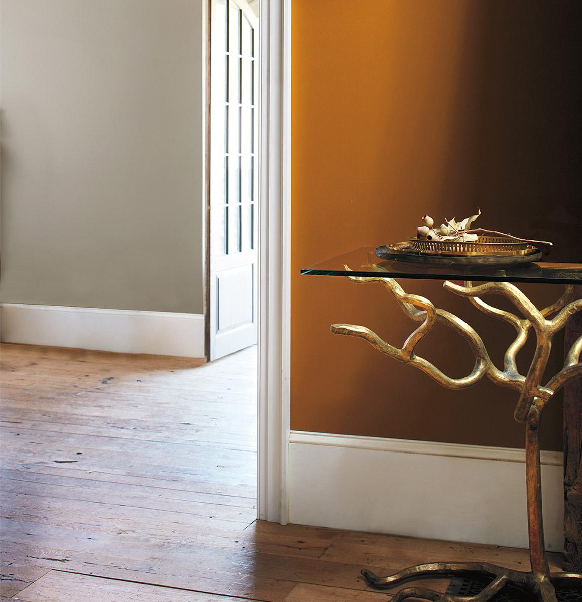 Duo neutre: le gris majestueux et le brun caramel chaud forment une paire irrésistible. #InspirationCouleur #InspirationMaison  (WALL) Bittersweet Vine N5, CENTURY®, Fini mat doux https://t.co/sOi5otDWHc