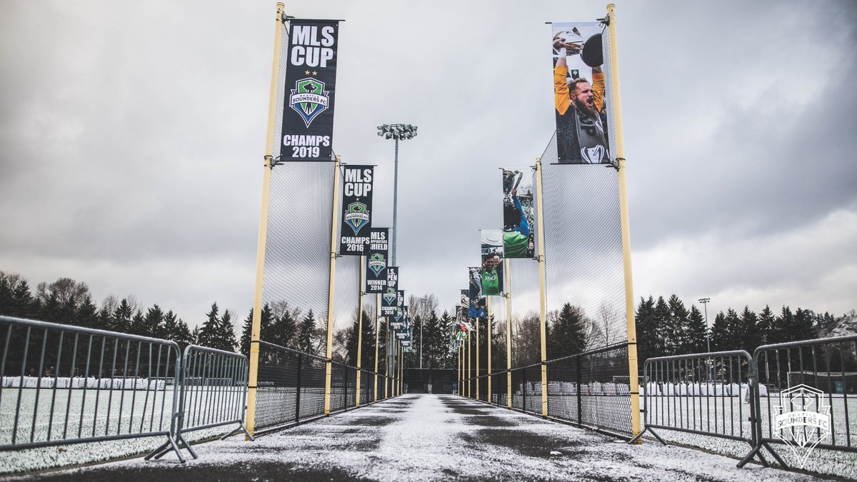 Getting low on space to fit all these banners at @StarfireSports :/
