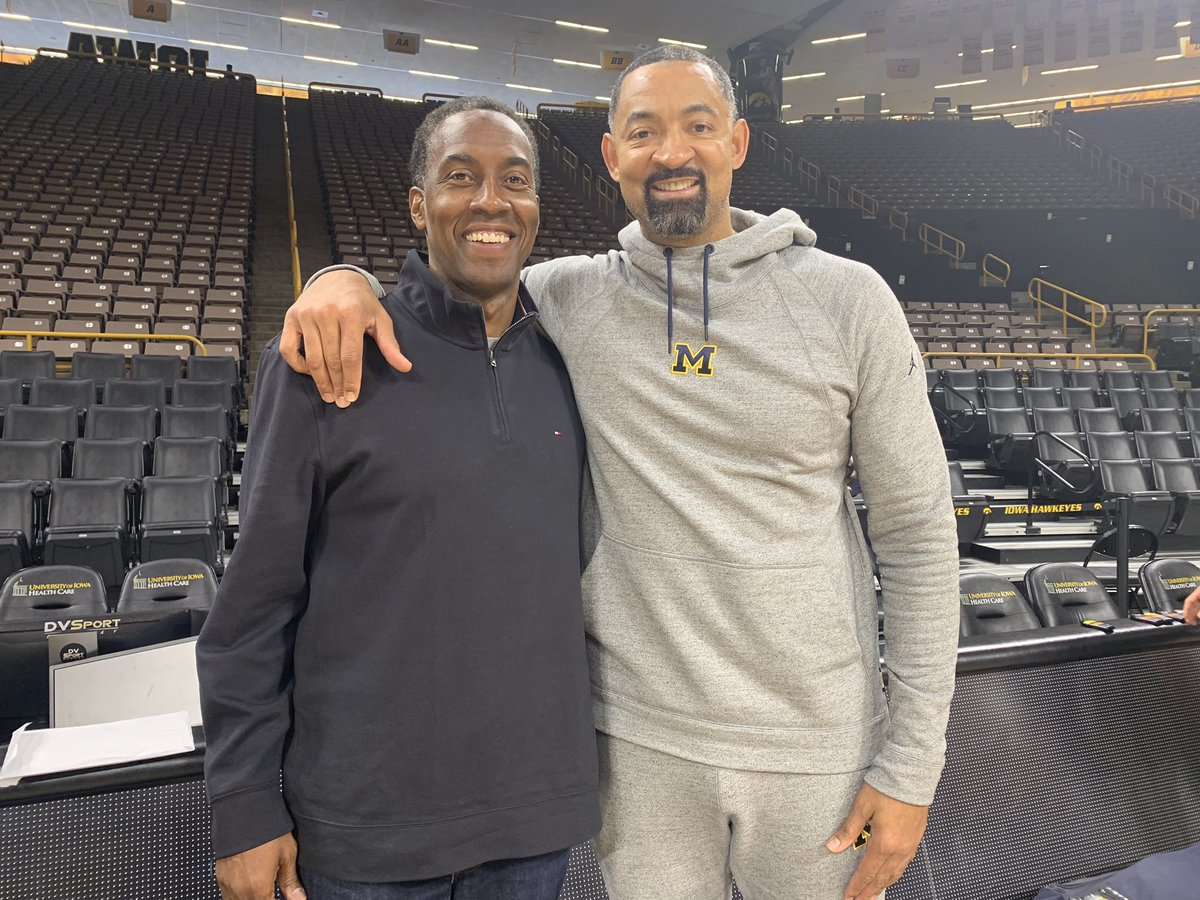Great game tonight as @umichbball takes on @IowaHoops tonight. Proud of this Chi-town Legend Juwan Howard!  Last time these two teams hooked up (12/6/19) Luka Garza dropped 44 yet the Wolverines won 103-91!  If you like offense tune in tonight 8pm on @FOXSports