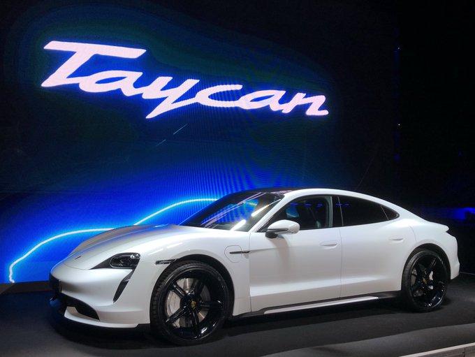 Elektromobilität von Porsche. Neuer Taycan im Volksparks
