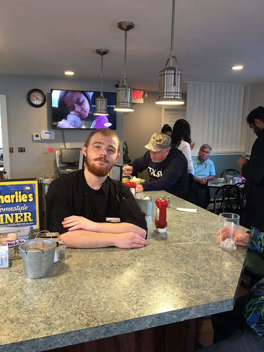 "This guy Kyle says Mayor Pete came into his diner a few days ago in NH and refused to take a picture with him after he served Pete perfectly cooked eggs, toast, and a crepe. ""He was such a dick. I couldn't believe it."" He just took a picture with Tulsi"