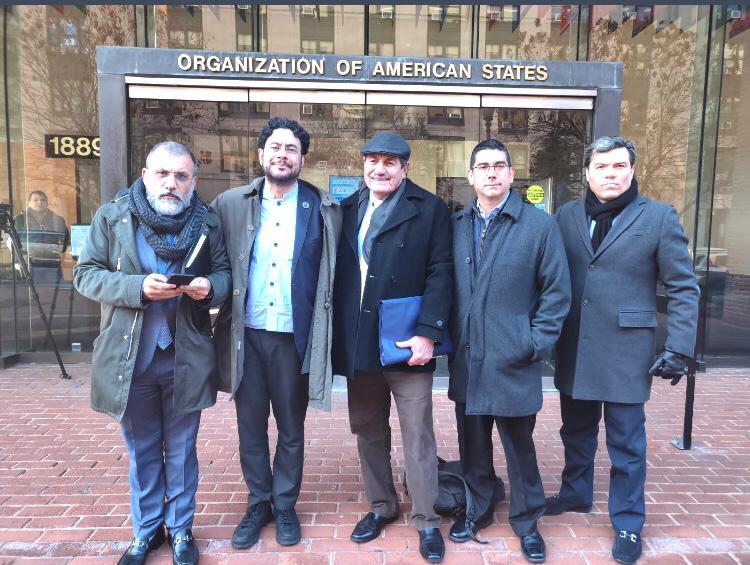 Hoy en Washington DC ante la @CIDH acompañamos las denuncias sobre interceptaciones ilegales a periodistas, opositores y defensor@s de derechos humanos. El retroceso en materia de derechos humanos es el común denominador del gobierno de @IvanDuque