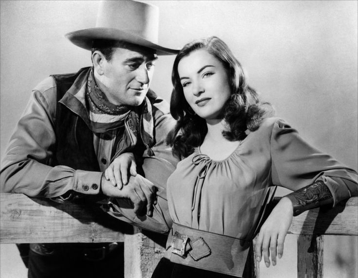John WayneandElla RainesinTALL IN THE SADDLE (1944) #Western #RKORadioPictures #ClassicFilms pic.twitter.com/cWHacjXOAP