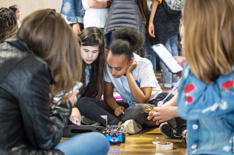#AIEA @iaeaorg abriu concurso p/ estudantes 14 e 18 anos. Meta é promover debate e aumentar consciência sobre uso de tecnologias digitais p/ apoiar educação nuclear e seu papel para combater as mudanças climáticas. Inscrições abertas até 15 abril. Confira: bit.ly/2ReEMiw