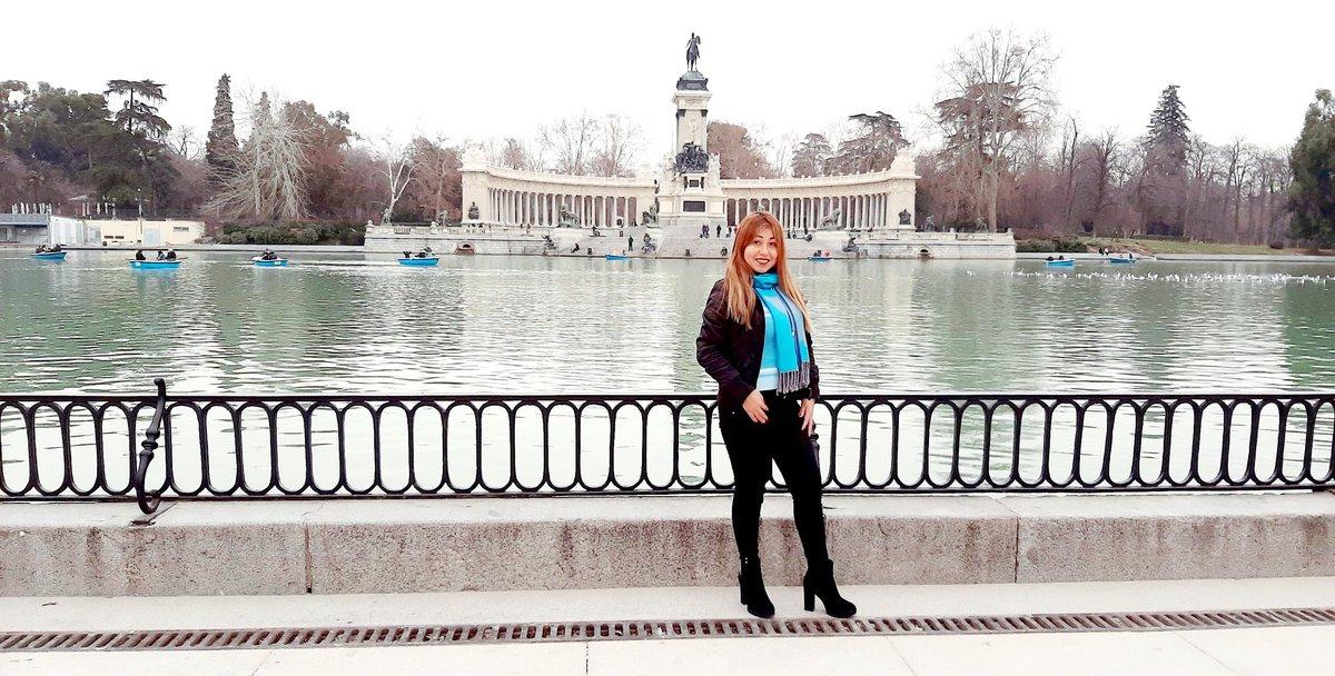 🕍#PARQUE_DEL_RETIRO🕍 🌳🌹#Jardín_Histórico🌹🌳 😘Uno de los Más Hermosos del #MUNDO🌍😘 ☃️#Winter #Beautiful #Wanderlust #Travel #Europa🌍