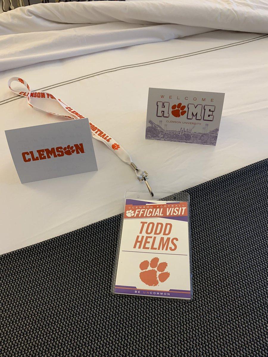 QB Hunter Helms official visit to Clemson has officially begun! #ALLIN #QB5<br>http://pic.twitter.com/OP7ITScC8b