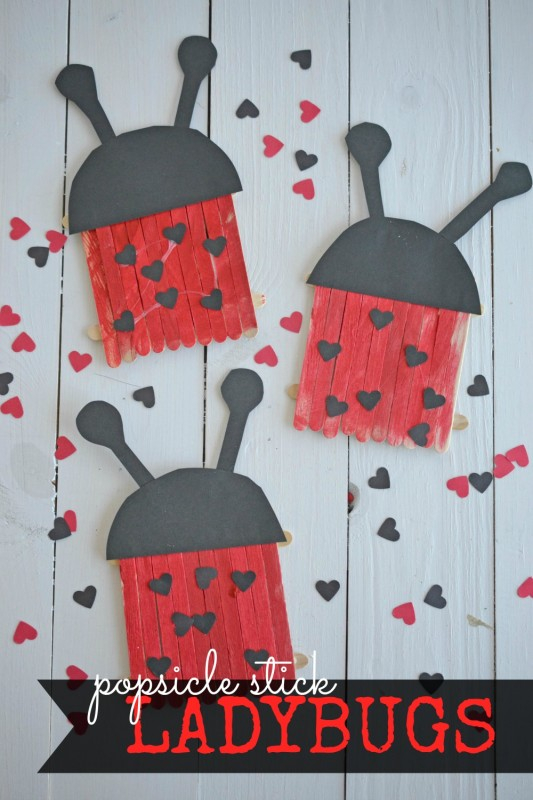 Let your child's creativity shine with these adorable and simple Popsicle Stick Ladybugs Kid Craft! Make them in honor of the upcoming Valentine's Day holiday OR just any other day of the week! https://www.makeandtakes.com/popsicle-stick-ladybugs-kid-craft…pic.twitter.com/2wNYndarrQ