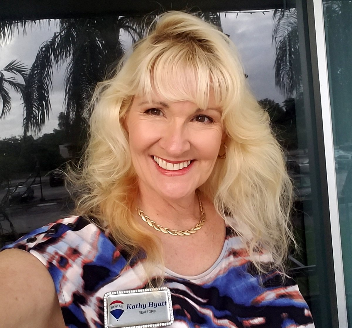 Hello and Happy Friday!!! How May I Help You Today? I Love Helping People Buy and Sell Homes, Reach out to me at 954-347-0244. http://www.HyattRealtors.com   #RemaxKat #RealEstateKat #RockStarRealtor #KathyHyatt #KathyHyattRocks #SellingSouthFlorida #SellingPlantationpic.twitter.com/h44MHzltrg