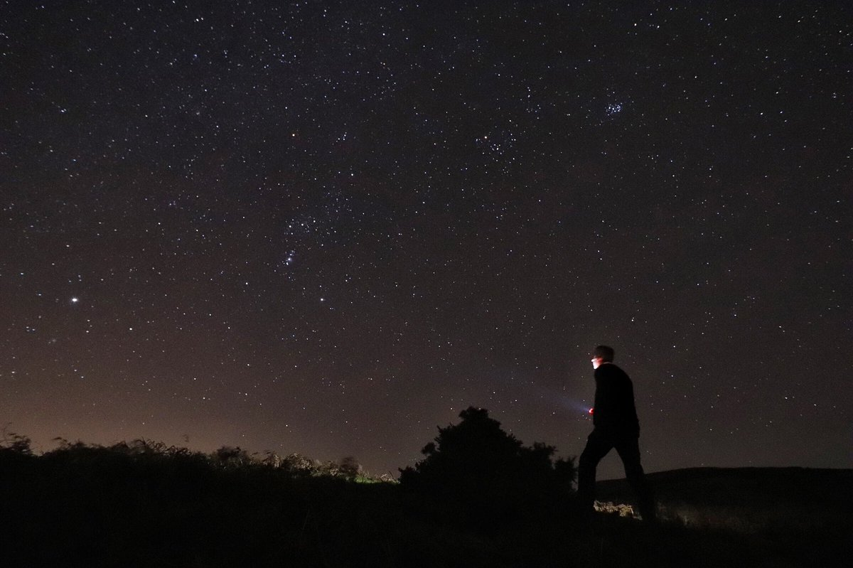 Looking at #Sirius, #Betelgeuse and #Procyon (the winter triangle) tonight on @nationaltrust's #Longmynd above #ChurchStretton, #Shropshire. #photography @LensAreLive #StormHour #Freezingmyfingersoff
