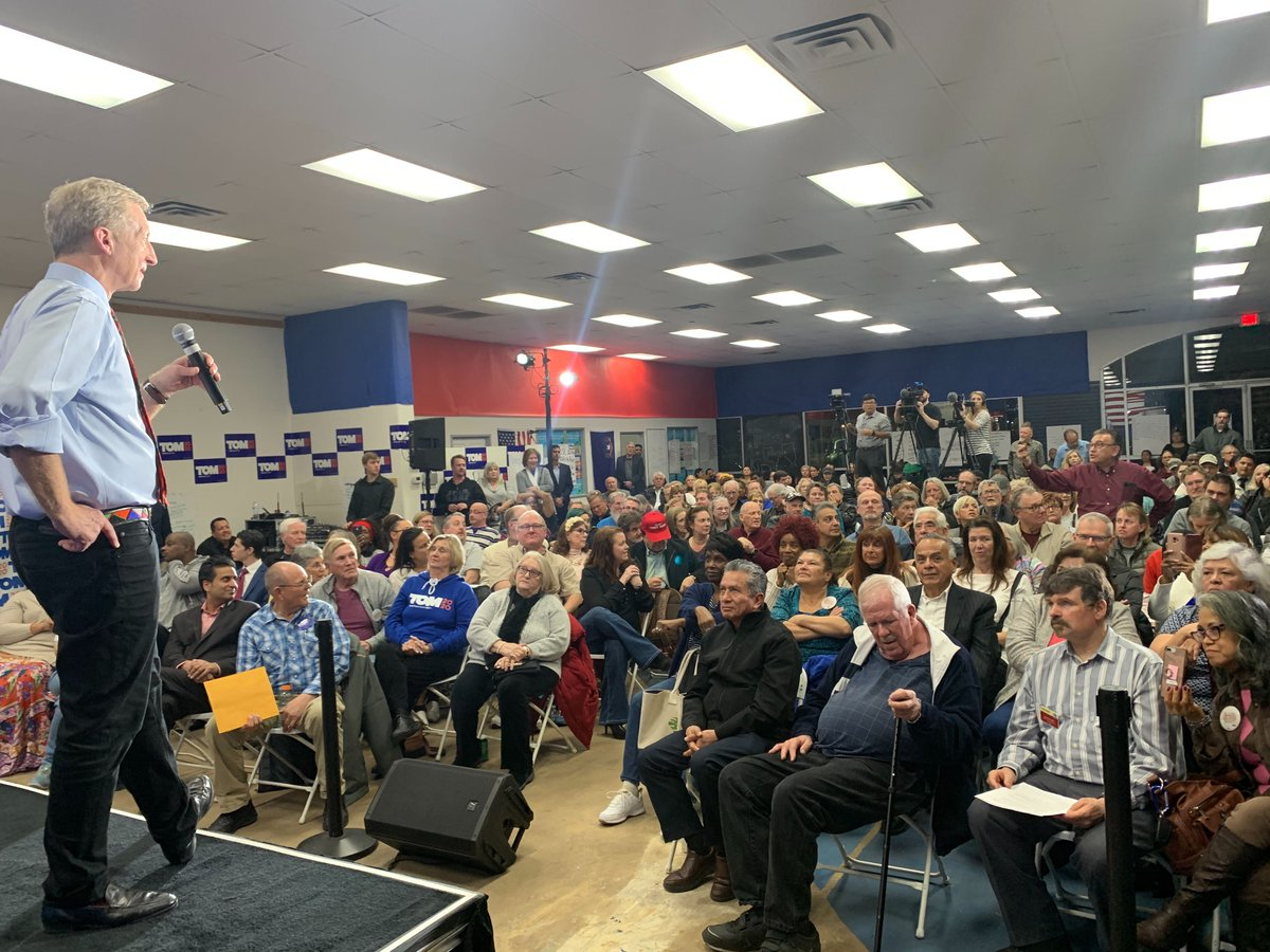 Thanks to all that showed up yesterday to our Immigration & Climate Town Hall in Las Vegas. We MUST prioritize folks most impacted by the climate crisis and protect climate refugees.