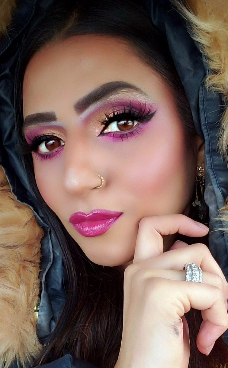 @ABHcosmetics I am wearing the combination of your gorgeous @jackieaina palette and @ABHcosmetics Riviera palette @ABHcosmetics @amrezy highlight @ABHcosmetics #ABHxAmrezy #ABHbrows and @ABHcosmetics Creme colour eyeliner in Jet and brow gel in Chocolate @ABHcosmetics foundation https://twitter.com/ABHcosmetics/status/1218291994545590273…pic.twitter.com/VcNHLB2zwk