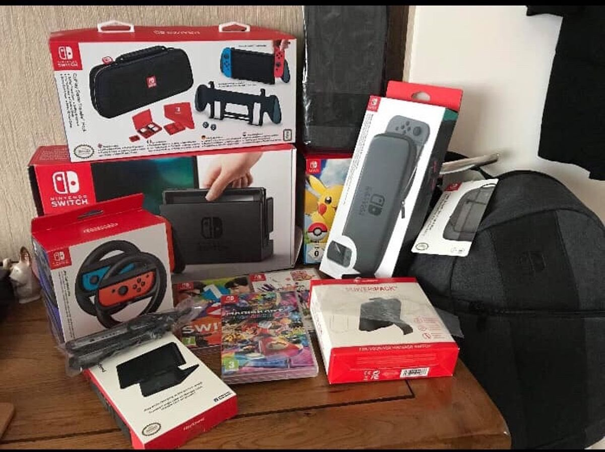 Giveaway!  Giving away this #NintendoSwitch bundle  Follow me and rt this post to enter (will check)  Winner in 24-48 hours (depends on the amount of entries)  Will add a game of choice at 500 rt's  GL<br>http://pic.twitter.com/ijwINiaWvO