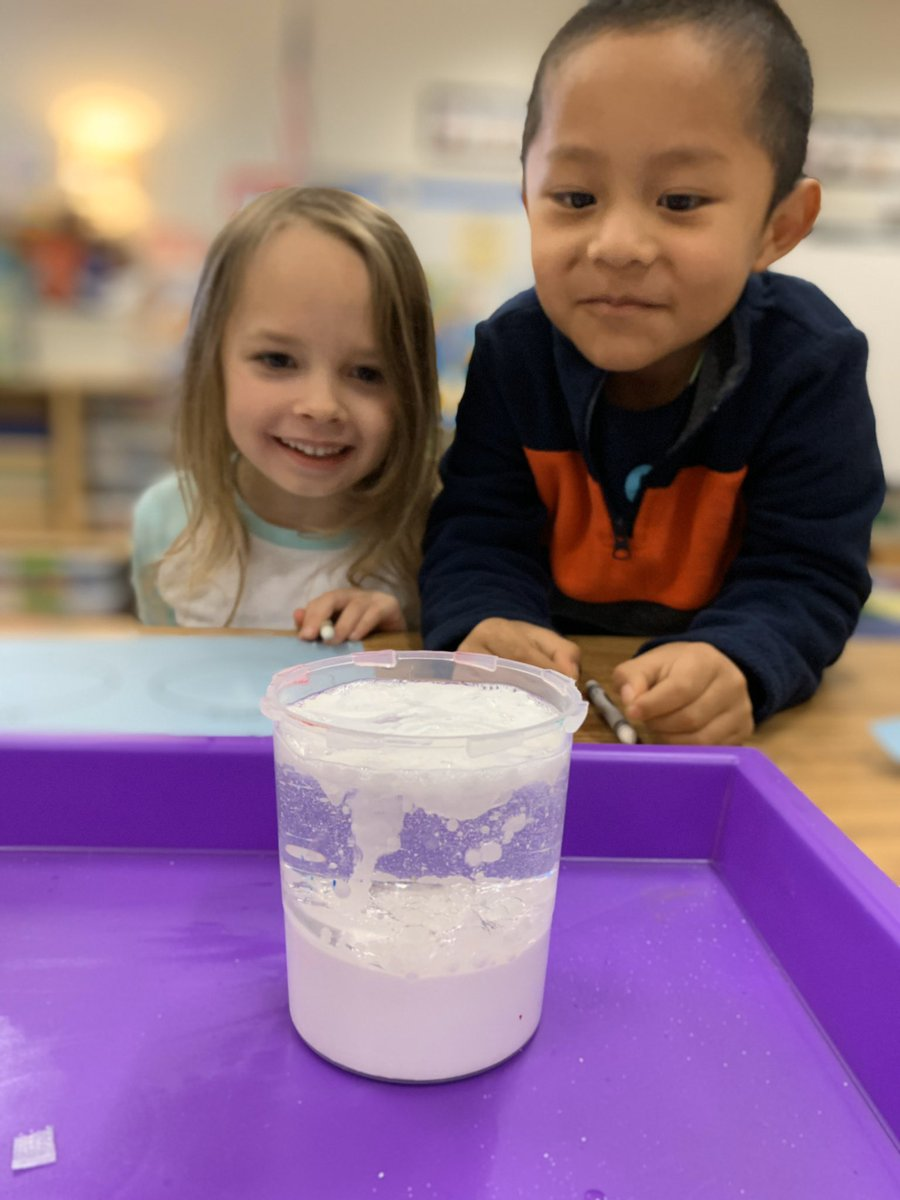 Snow storm in a cup @Hasty_Huskies #scienceexperiment #recordingobservations #prekinders #BeDoHaveGivepic.twitter.com/opOToUsm7K