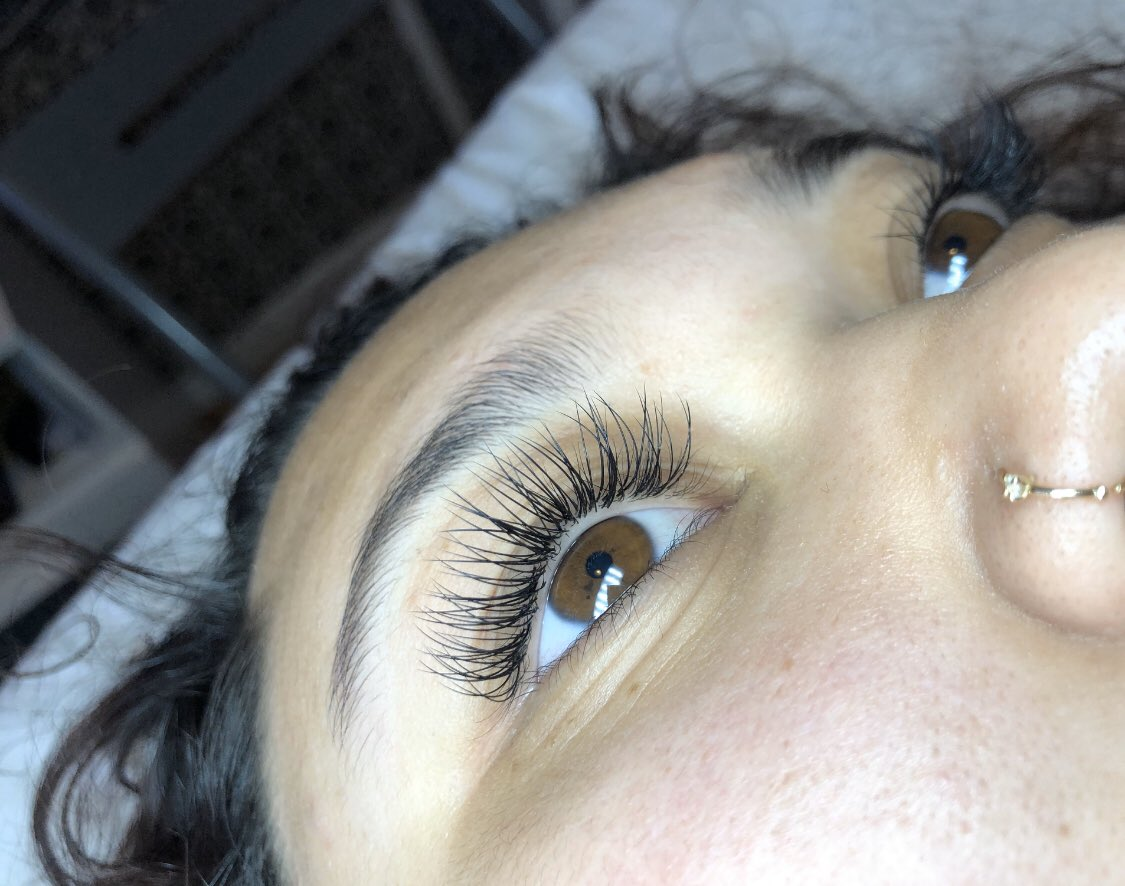 Hey Twitter! I am a lash artist currently serving the Peninsula and East Bay. I apply classic extension sets at affordable prices. I offer onsite services or can travel to you  I'm looking forward to seeing some new faces  . hit me up on ig @outlashedbyj  !!SHARE & RT!! <br>http://pic.twitter.com/dSTovOOoMh