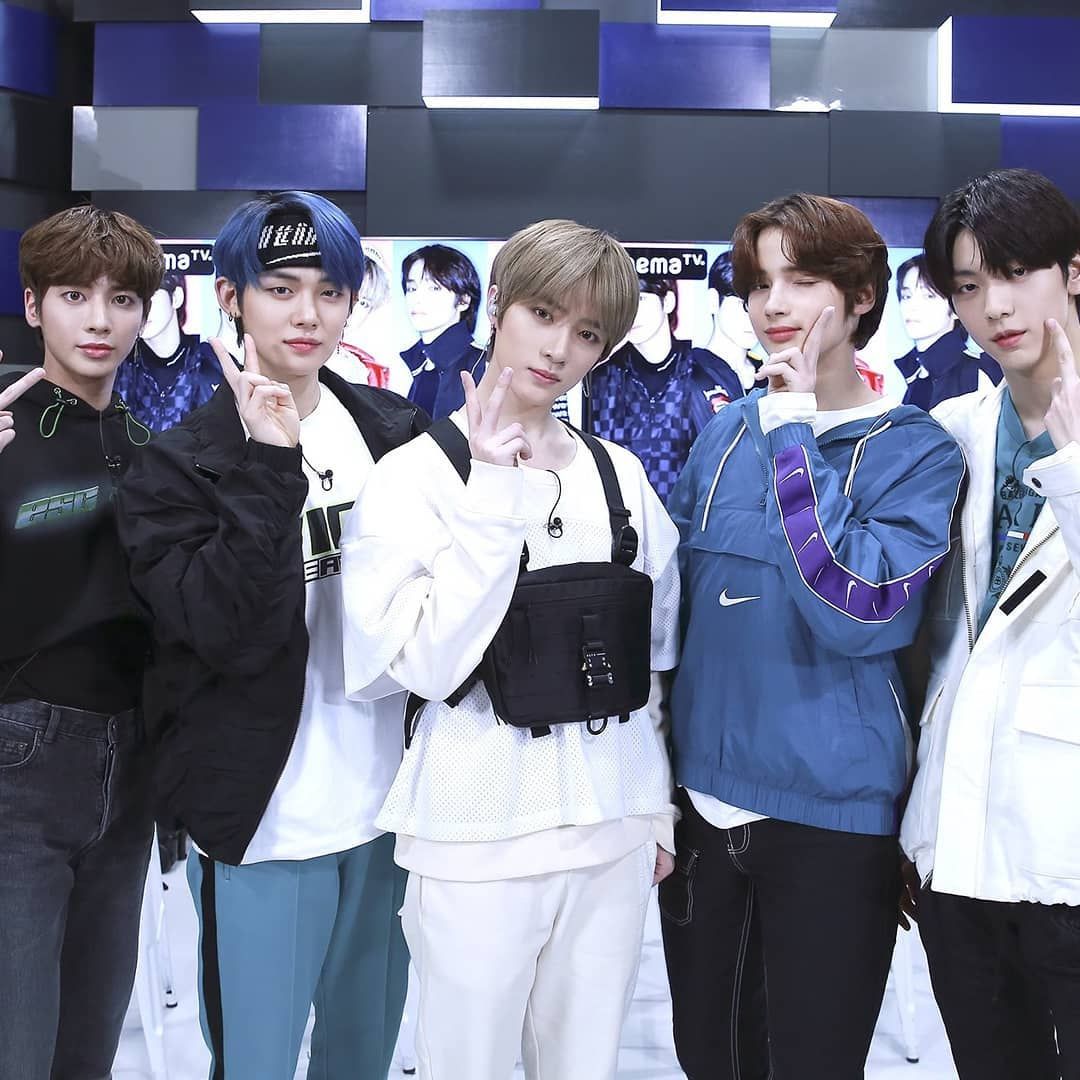 RT @Indahast3: #TXT #TXT_JAPAN_HOT_DEBUT @TXT_members https://t.co/OAC7JZuQcV
