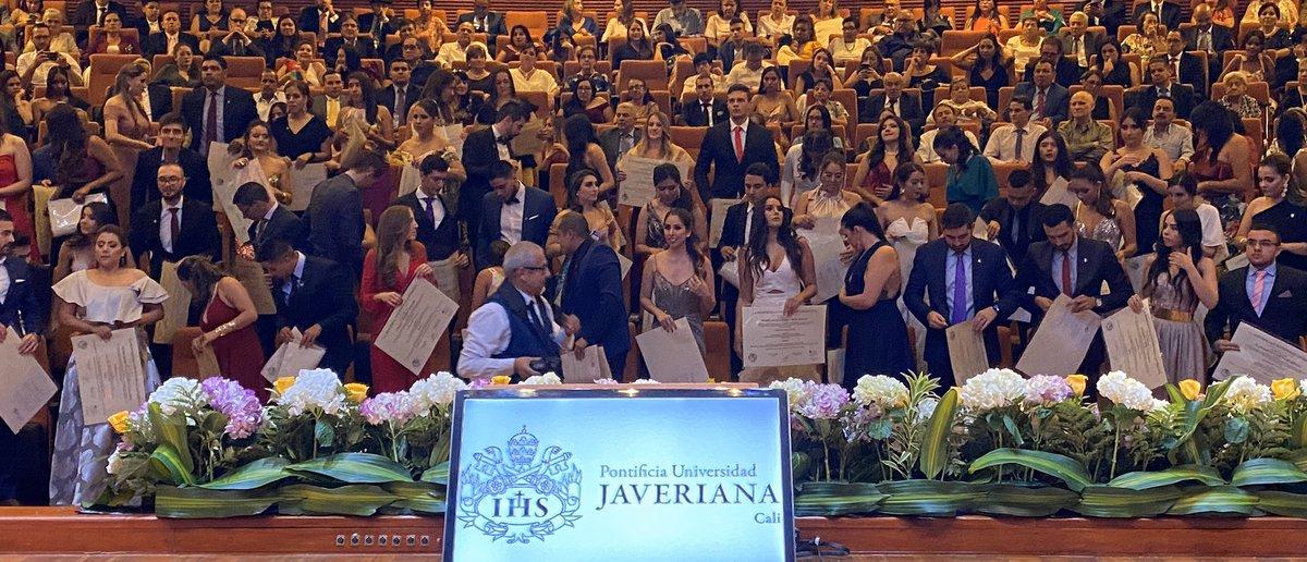 50 nuevos médicos Javerianos. Alegría de Javeriana Cali!