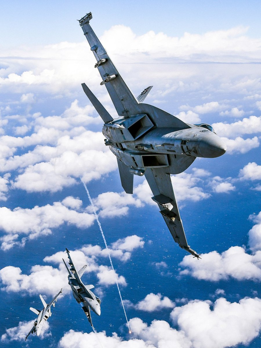 F/A-18E Super Hornets from Strike Fighter Squadron (VFA) 136 fly over the California coast.  (U.S. Navy by Chief MCS Shannon Renfroe) <br>http://pic.twitter.com/XJmm3NhLaL