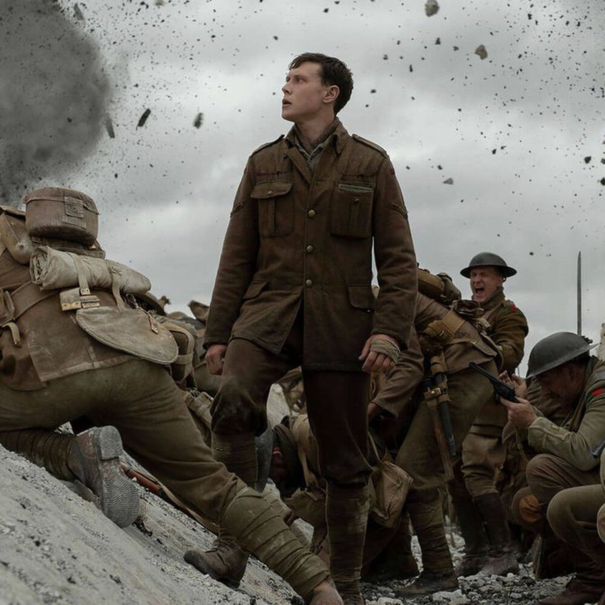 @1917 is seen. The movie is fucking brilliant!!! Say what you want to about the movie. Give #RogerDeakins a damn Oscar!!! George Mackay and Dean-Charles Chapman played it out of their skin!!! pic.twitter.com/6ZrL87nOTs