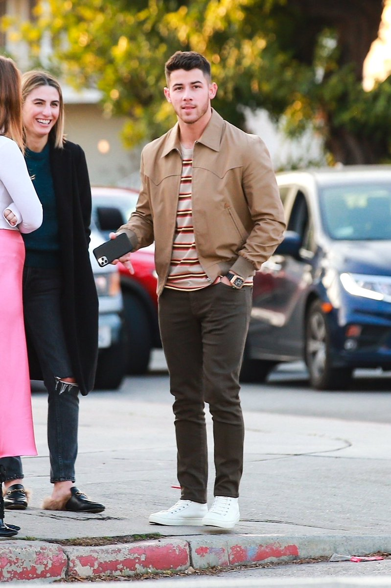 𝐇𝐐𝐬: January 14, 2020 - Nick Jonas spotted out in Los Angeles, California. <br>http://pic.twitter.com/ZV5l4Ps3yj
