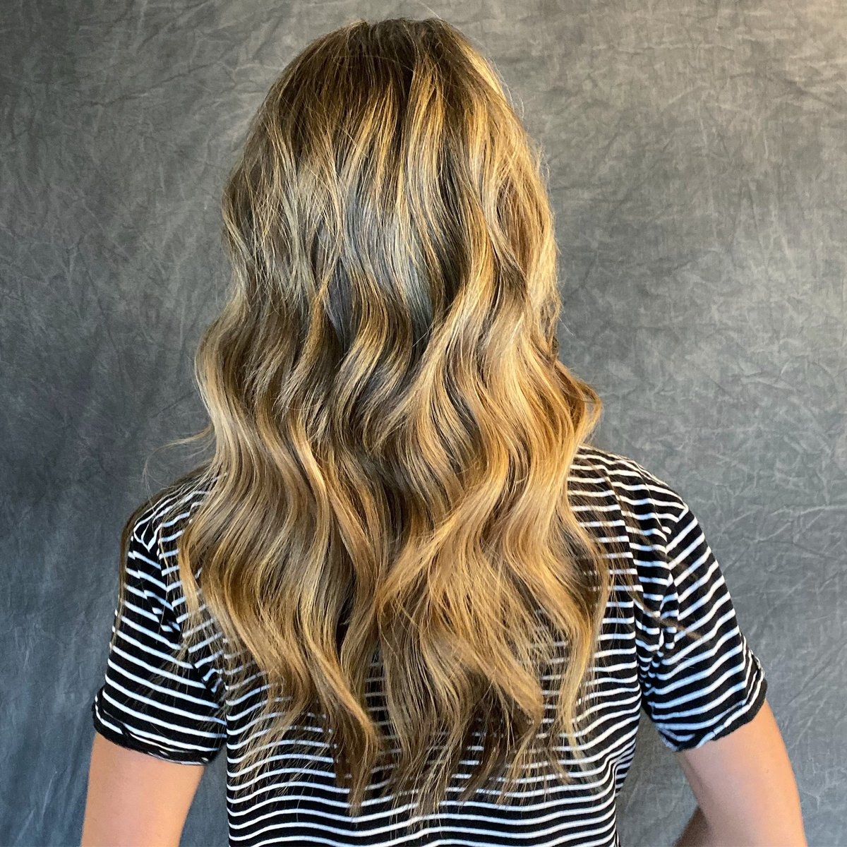Do things that make YOU happy and feel confident!  she got 2.5 rows of NBR Extensions!   Apply today! Click the link! https://linktr.ee/wolfeandmane  #mermaidhair #redken #nbrextensions #boulderhair #longmonthair #boulderstylist #longhair #bronde #hair #FridayFeeling #coloradohairpic.twitter.com/WTQxmji58j